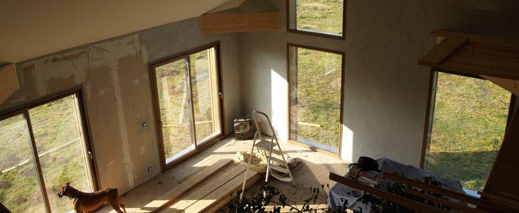 Les fenêtres et portes en double-vitrage ont permis par leur gain d'isolation, d'augmenter la taille des baies vitrées