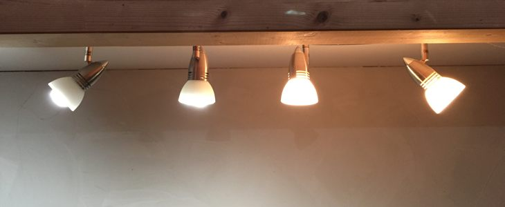 Lampes à LED et ampoules halogènes