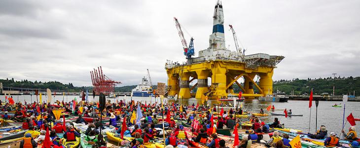 Activistes à Kayak qui s'opposant au projet de forage de Shell en Arctique lors de la manifestation le 16 mai dernier à Seattle.