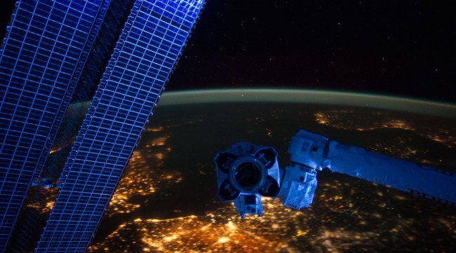 chine-panneaux-solaires-espace