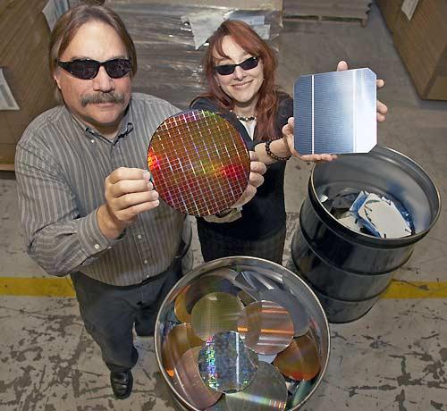 Recycler le silicium des microprocesseurs pour des for Recyclage des panneaux solaires